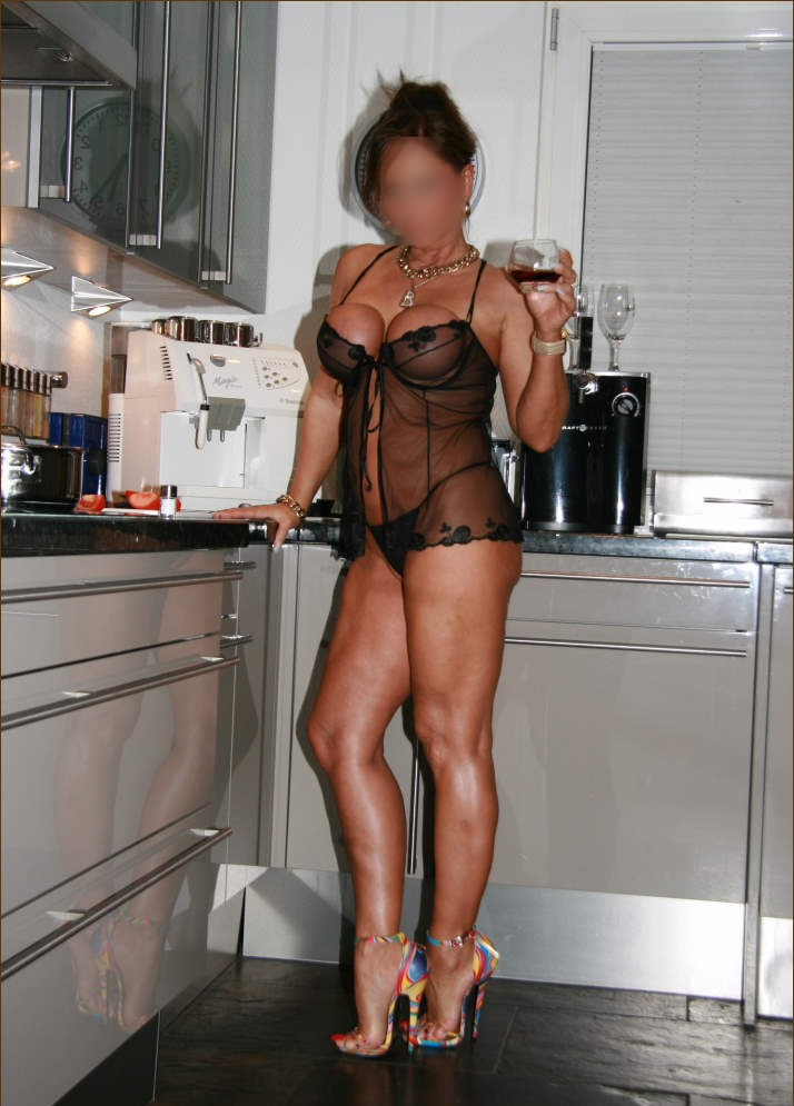 Escort Girl Timi in Budapest, Hungary